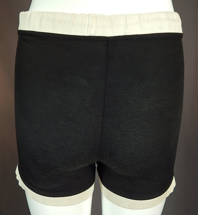 Vintage Catalina Surfers California Sportswear Mens Black White Swim Trunks ShortsIt is in good condition, with only some faint small staining along the white trim edging the legs. This is truly a wonderful piece of mens sportswear swimwear retro wearable art!