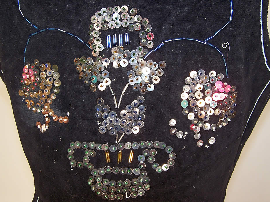 Vintage Black Velvet Gold Sequin Beaded Warsaw Polish Folk Vest Bodice Top close up