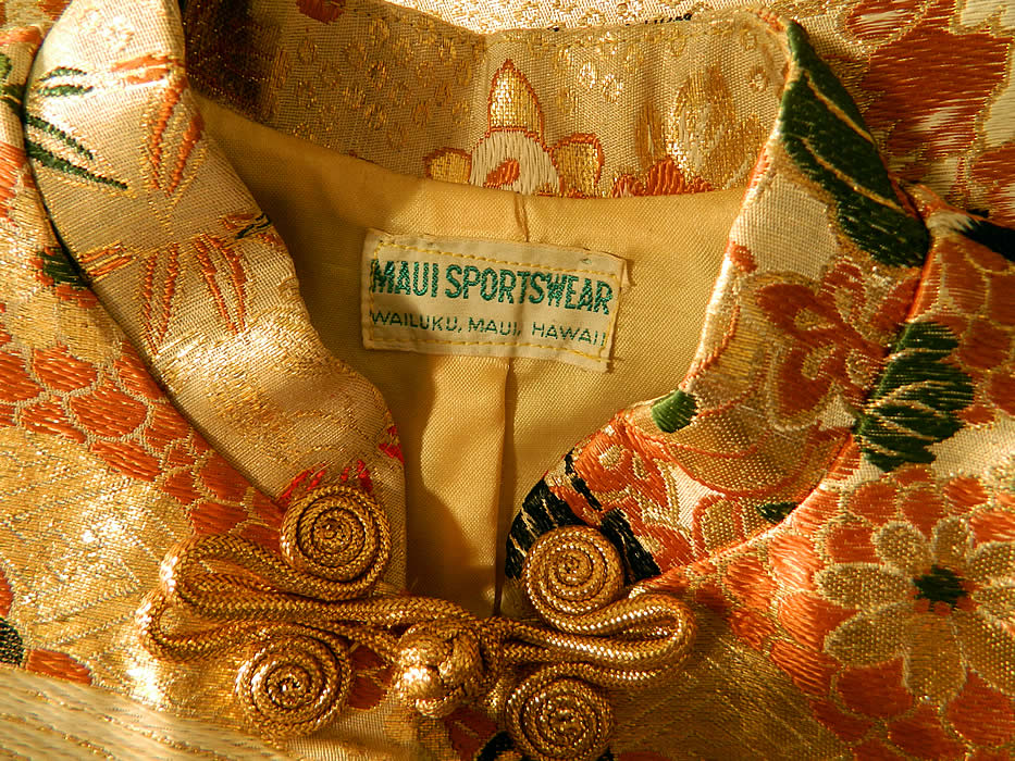 Vintage Maui Sportswear Hawaii Japanese Crane Gold Silk Lamé Obi Jacket  label close up.