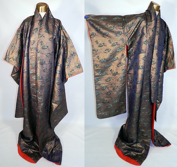 Vintage Japanese Geisha Gold Lamé Silk Brocade Fan Kimono. This vintage antique Japanese geisha gold lamé silk brocade fan kimono dates from the Showa Period in the 1950s.