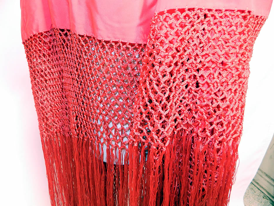 Antique Art Deco Red Silk Macrame Fringe Flapper Piano Shawl. The shawls fabric square measures 46 by 46 inches. It is in good wearable condition. This beautiful bohemian Art Deco flapper Spanish Flamenco style shawl is truly a wonderful piece of wearable textile art!