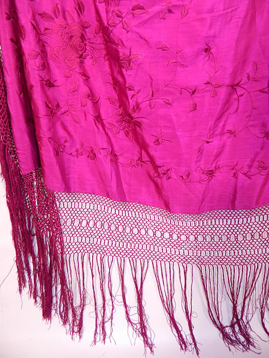 Vintage Fuchsia Purple Silk Floral Embroidered Fringe Boho Piano Shawl. This vintage fuchsia purple silk floral embroidered fringe boho piano shawl dates from the 1920s.
