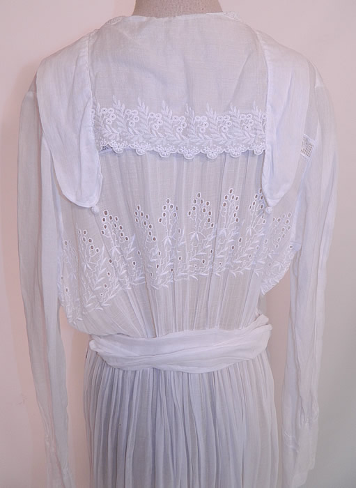 Edwardian Eyelet Embroidered White Cotton Batiste  Lace Graduation Wedding Dress. It is in excellent condition. This is truly a wonderful piece of antique textile lace art which could be worn as a wedding gown or graduation dress.