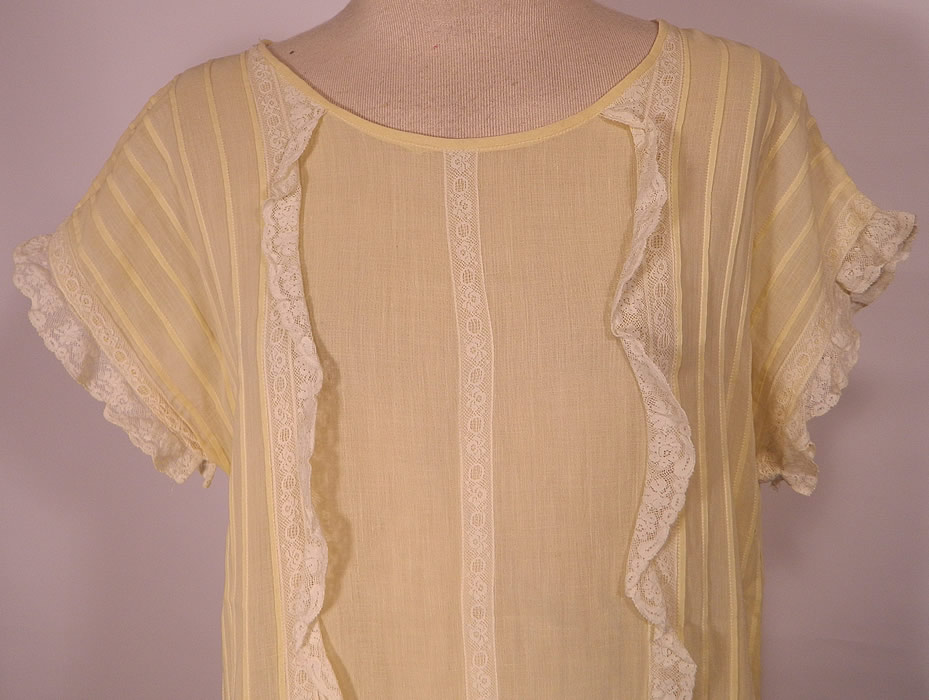 Vintage Pastel Yellow Cotton Pleated  Lace Ruffle Chemise Shift Dress.