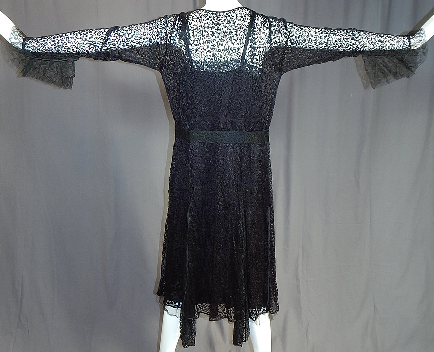 Vintage Art Deco Buckle Belted Black Silk & Chantilly Lace Flapper Dress