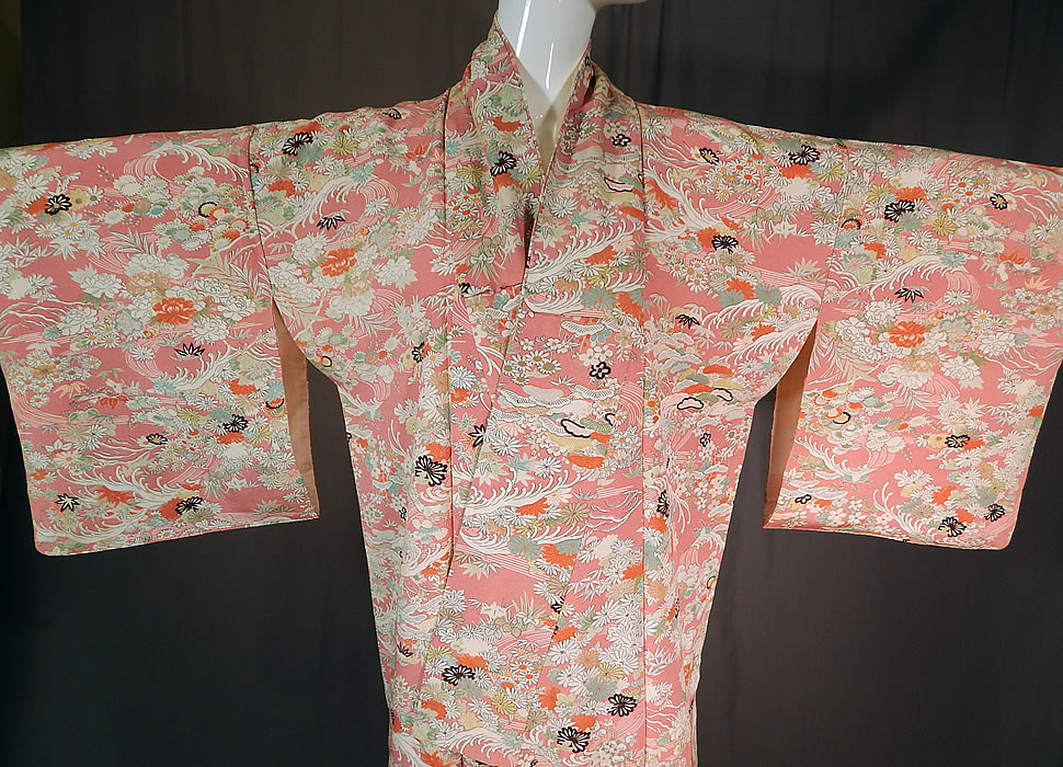 Vintage Japanese Geisha Pink Silk Screen Floral Water Waves Kimono