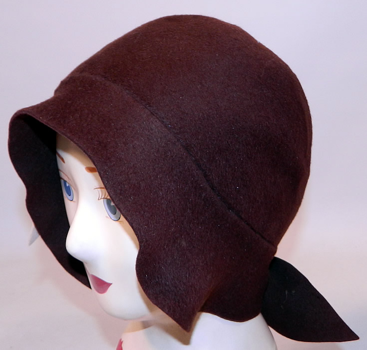 Vintage I Magnin & Co Brown Wool Felt Fall Maple Leaf Flapper Cloche Hat. This fabulous fall flapper cloche style hat is form fitting, with an uneven asymmetrical slight brim, bow trim back.