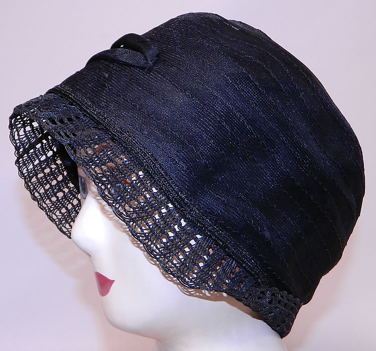 Vintage Art Deco Woven Black Horse Hair Straw  Flapper Cloche Hat & Hatpin. It is in good condition, with only a  small break, hole on the back net. This is truly a wonderful piece of wearable Art Deco textile art!