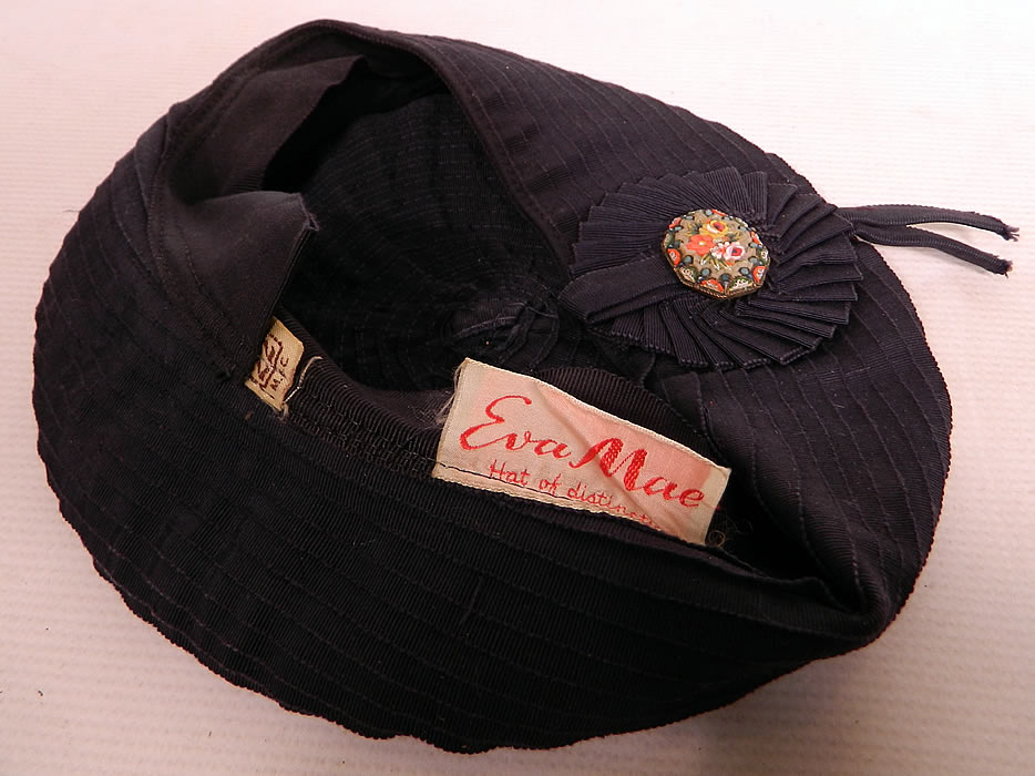 Vintage Eva Mae Navy Blue Pleated Beret Tam Hat & Italian Micro Mosaic Brooch Pin. It is in good condition.