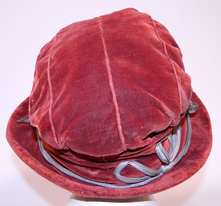Vintage Autumn Burgundy Red Velvet Silver Lame Leaf Trim Wide Brim Cloche Hat Lamé