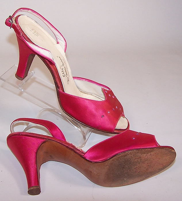 Vintage Ferncraft Fuschia Pink Silk Satin Rhinestone Sling Back Evening Shoes shows the sole