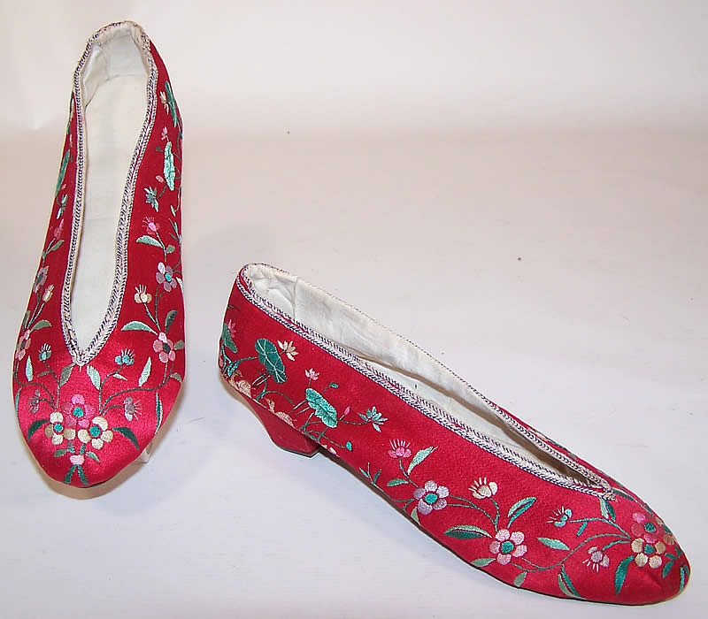 Antique Chinese Red Silk Embroidered Floral Duck Slipper Shoes