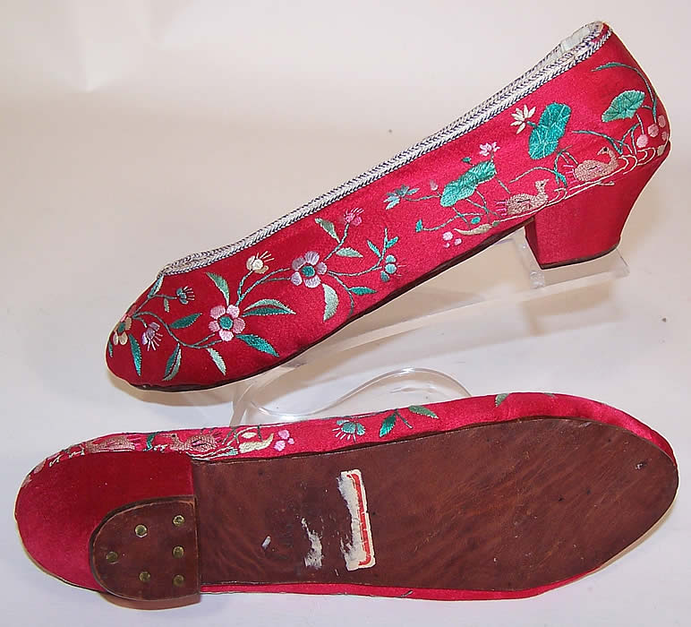 Antique Chinese Red Silk Embroidered Floral Duck Slipper Shoes show the sole