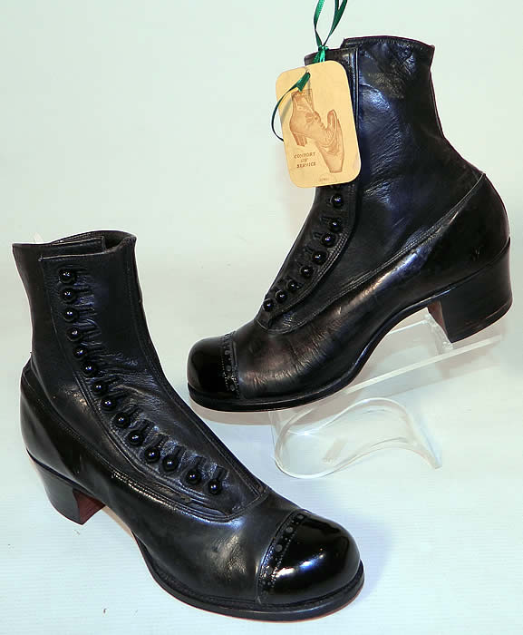 Victorian Unworn Vintage Welteze Shoes Black Leather High Button Boots. This pair of unworn antique Victorian era vintage Welteze Shoes black leather high button boots date from 1900.