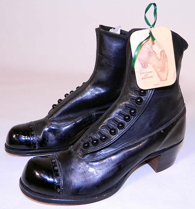 Victorian Unworn Vintage Welteze Shoes Black Leather High Button Boots. They are made of a supple black leather, with decorative punch work trim across the front toes.
