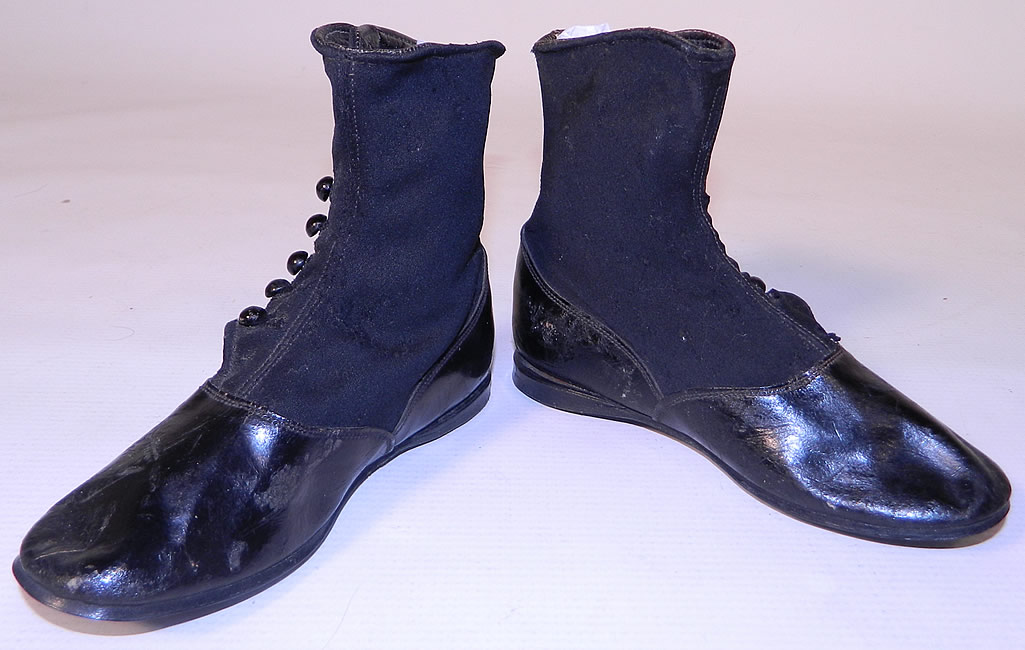 Victorian Black Wool Leather High Button Button Baby Boots Childs Shoes. These charming child's high top button baby boots have been gently worn and are in good condition, with only a few tiny moth nips, frays and scuff marks from storage.