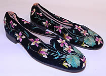 Victorian Black Velvet Violet Embroidered Men's Slipper Shoes