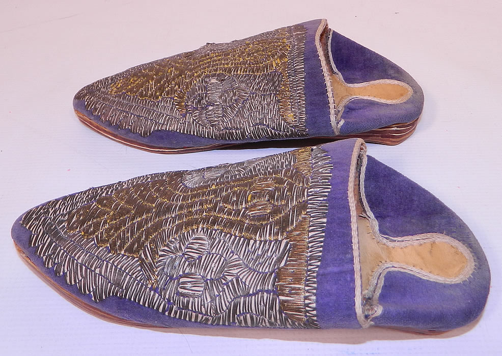 Vintage Moroccan Ladies Mules Cherbil Metal Embroidery Velvet Slipper Shoes.  The shoes measure 8 1/2 inches long   and 3 inches wide.