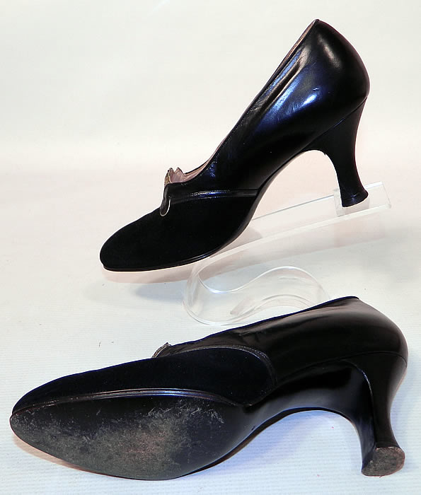 Vintage Sage Allen Co Hartford Art Deco Black Suede Leather Shoes. These lovely ladies shoes have a slipper slip on style and black leather covered modified boulevard high heels.