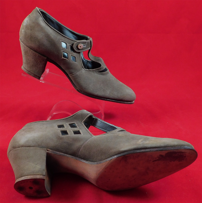 Unworn Vintage Natural Bridge Arch Shoe Suede Leather Button Strap Cutout Mary Jane